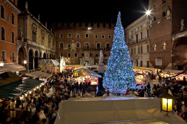 Mercatini-di-Natale-Verona